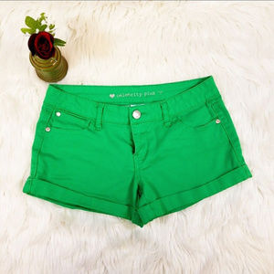 Juniors green Celebrity Pink shorts